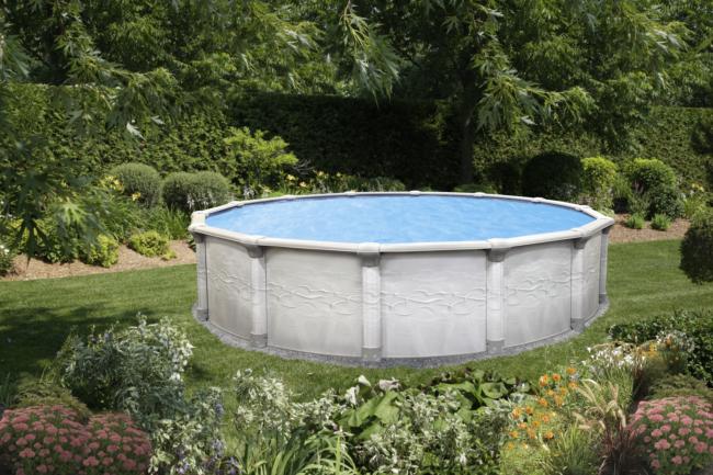 Above ground pool with nova round decor