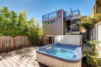 Hot tub on deck by AllStar Pool & Spa